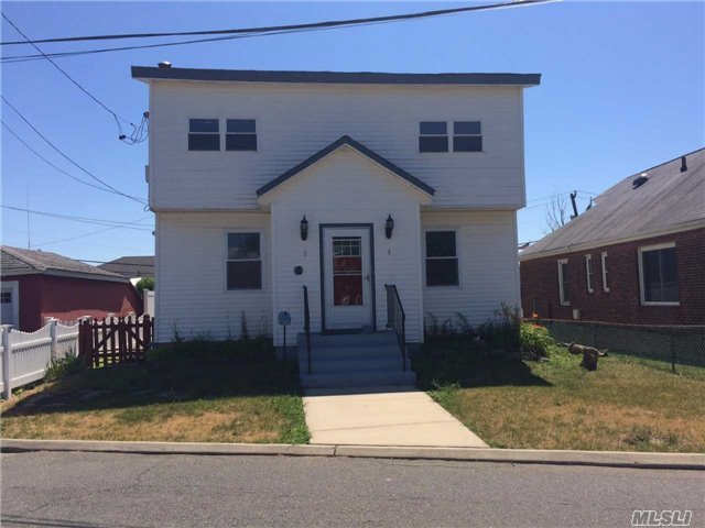6 West Ave, Lawrence, NY 11559