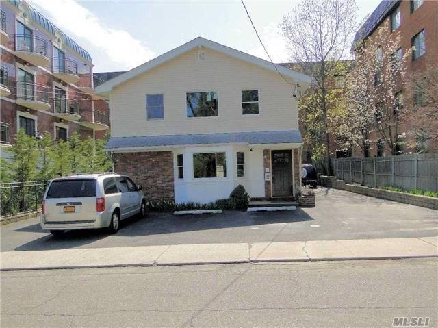 10 Chelsea Pl #2nd Fl, Great Neck, NY 11021