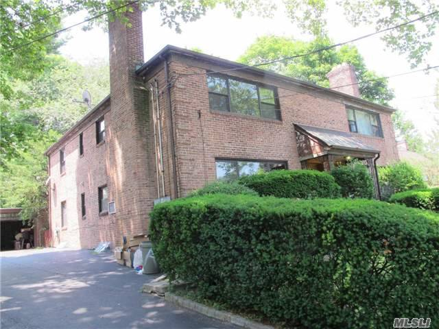 12 Linden St #12a, Great Neck, NY 11021
