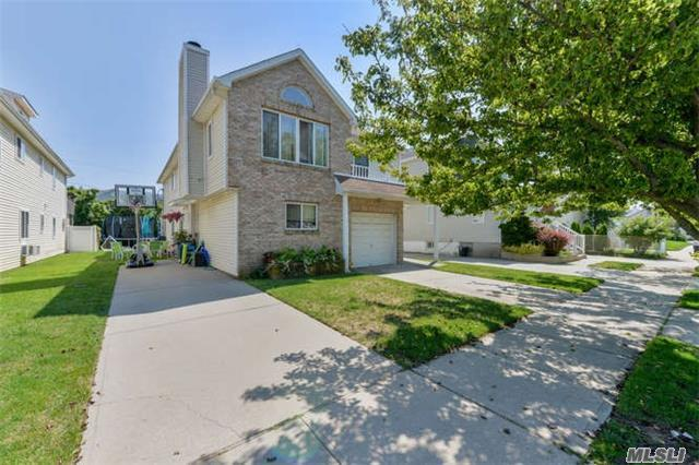518 E Penn St, Long Beach, NY 11561