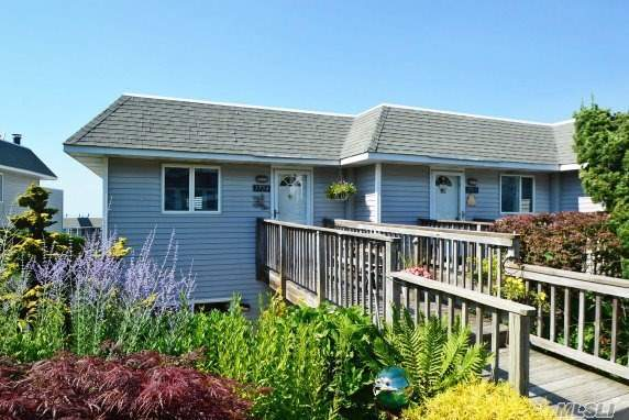 1704 S Bluffs Dr, Baiting Hollow, NY 11933