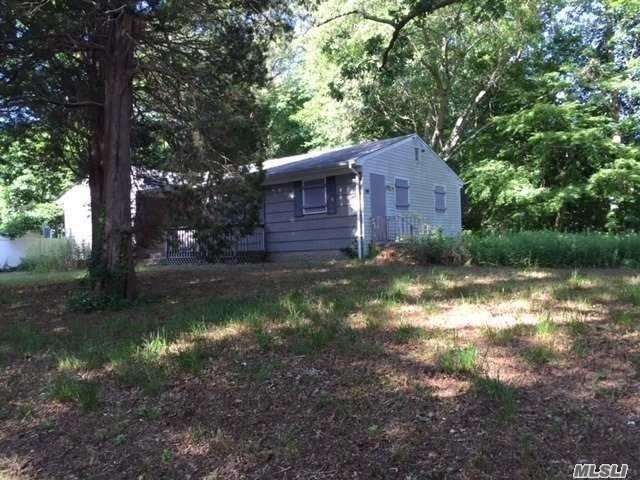 38 Half Mile Rd, Middle Island, NY 11953