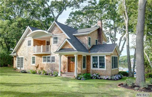 755 Luptons Point Rd, Mattituck, NY 11952