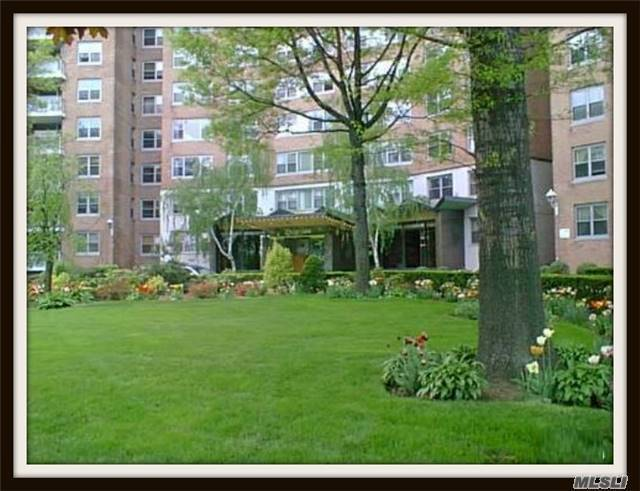 61-20 Grand Central #A607, Forest Hills, NY 11375