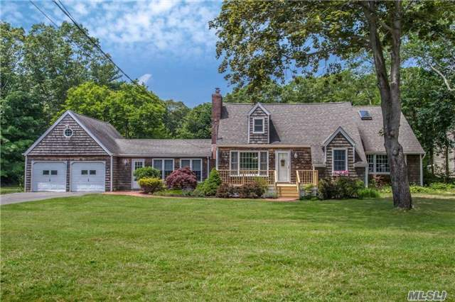 333 Woodhollow Rd, Great River, NY 11739