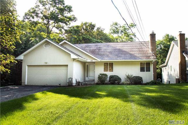 188 Woodbury Rd, Huntington, NY 11743