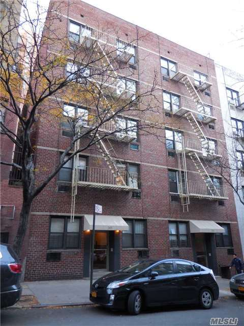 203 E 89th St #3c, Out Of Area Town, NY 10128