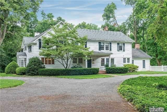 44 Pound Hollow Rd, Old Brookville, NY 11545
