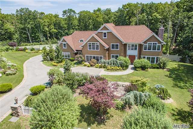 4 The Commons, Cold Spring Hrbr, NY 11724
