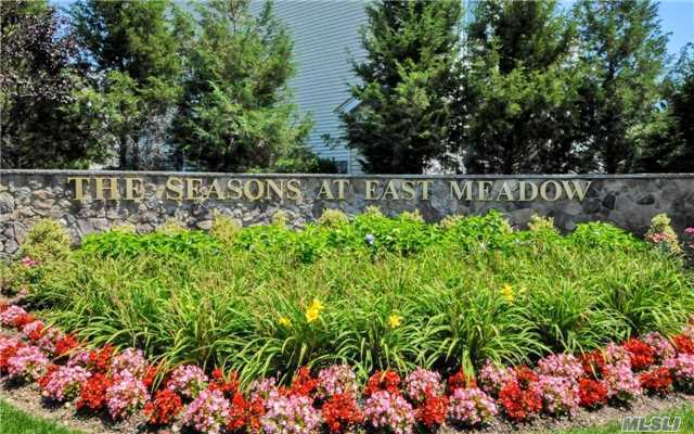 301 Spring Dr, East Meadow, NY 11554