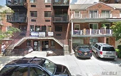 65-11 Booth St, Rego Park, NY 11374