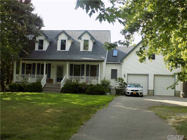 623 S. Country Rd, East Moriches, NY 11940