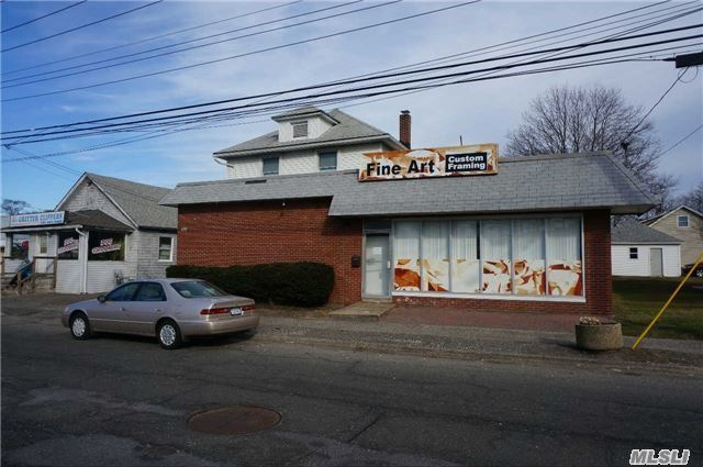 157 Medford Ave, Patchogue, NY 11772