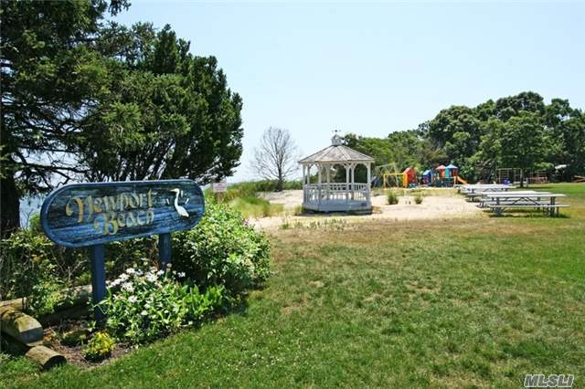 18 Newpoint Ln, East Moriches, NY 11940