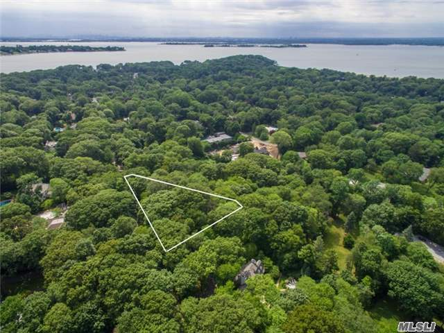 Barkers Point Rd, Sands Point, NY 11050