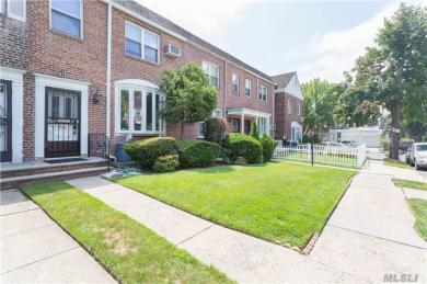 100-08 67th Dr, Forest Hills, NY 11375