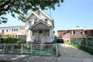 122-11 25th Ave, College Point, NY 11356