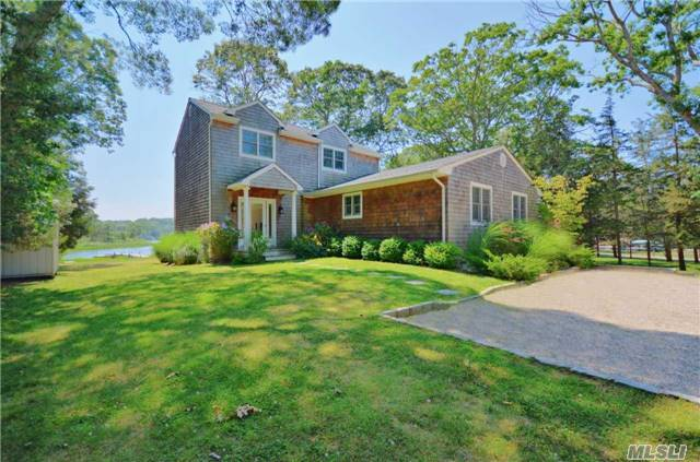 25 Waters Edge Dr, Southampton, NY 11968