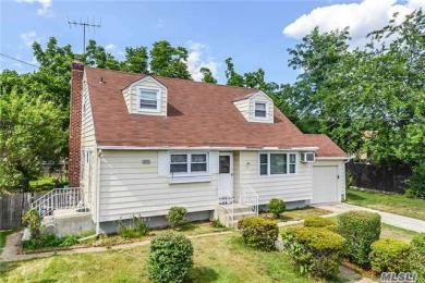 155 Boston Ave, Massapequa, NY 11758