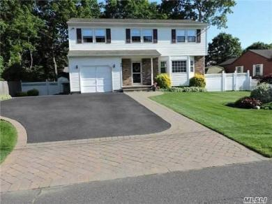 98 Arpage Dr, Shirley, NY 11967