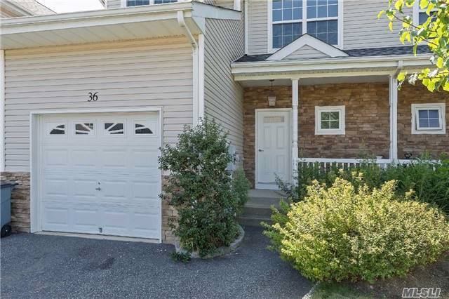 36 Terrace Ln, Patchogue, NY 11772