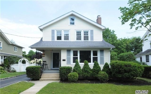 125 Brower Ave, Rockville Centre, NY 11570