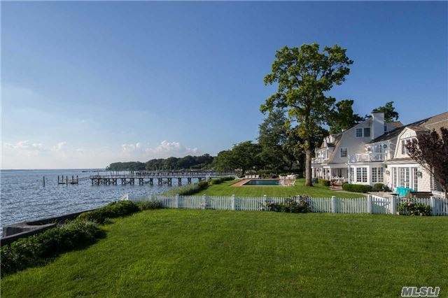 20 Plum Beach Point Rd, Sands Point, NY 11050