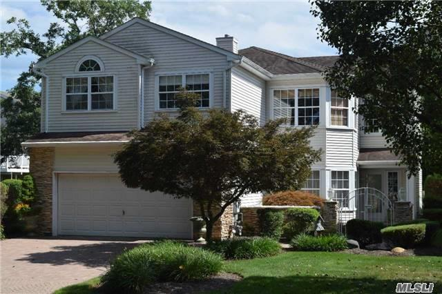 10 The Greens, Hauppauge, NY 11788