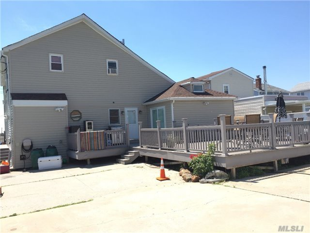 23 E 10th Rd, Broad Channel, NY 11693