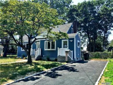 1324 Illinois Ave, Bay Shore, NY 11706