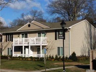 9 Country Club Dr #9j, Coram, NY 11727