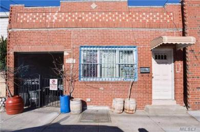 18-21 26th Rd #1st Fl, Astoria, NY 11102