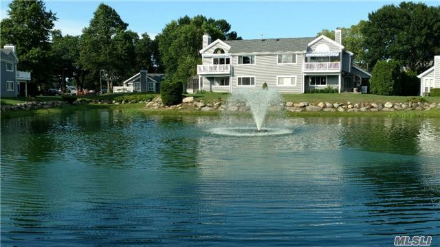 218 River Dr, Moriches, NY 11955