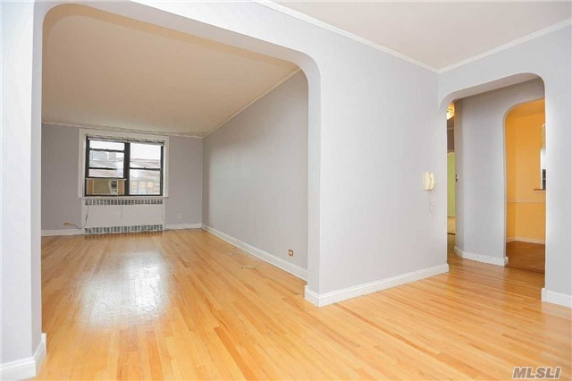 67-35 Yellowstone Blvd #7h, Forest Hills, NY 11375