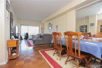 61-20 Grand Central Pky #B1501, Forest Hills, NY 11375