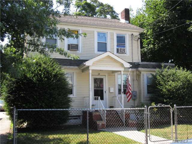 14 Lincoln Blvd, Hempstead, NY 11550