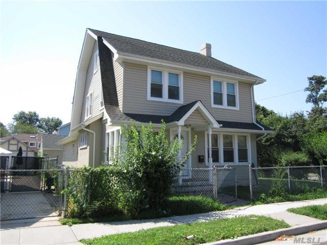 26 Lincoln Blvd, Hempstead, NY 11550