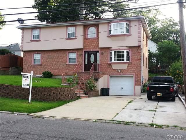45 Allen Dr, Great Neck, NY 11020