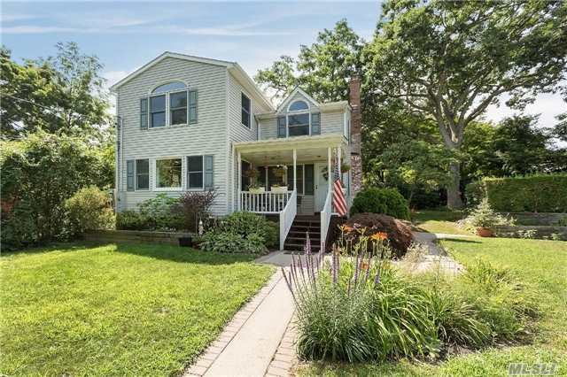 12 Brookhaven Dr, Sound Beach, NY 11789