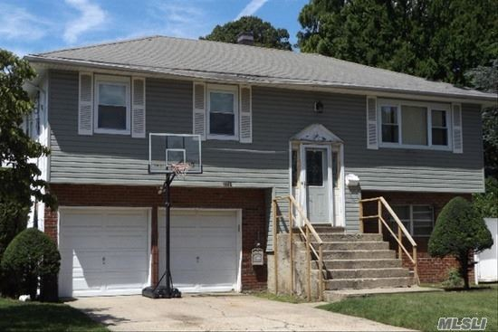 1562 Forest Ave, Baldwin, NY 11510