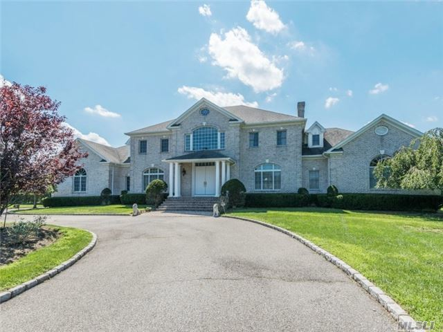 3 Wicks Ln, Head Of Harbor, NY 11780