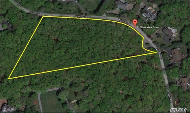W View Dr, Upper Brookville, NY 11771