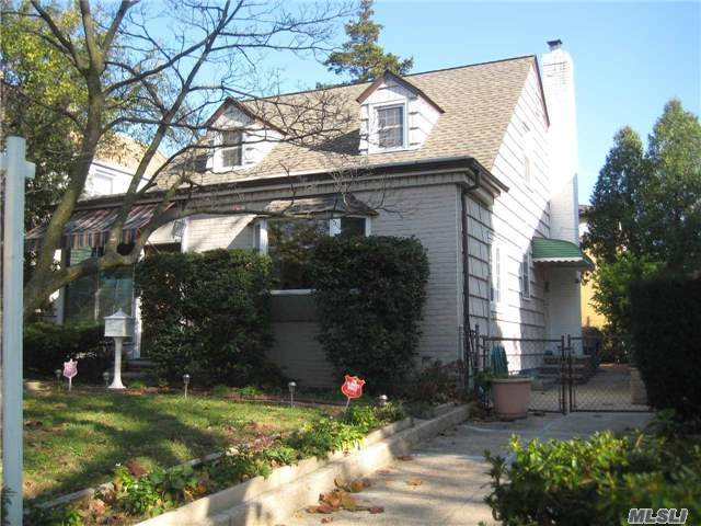 8-07 Whitestone Expy, Whitestone, NY 11357