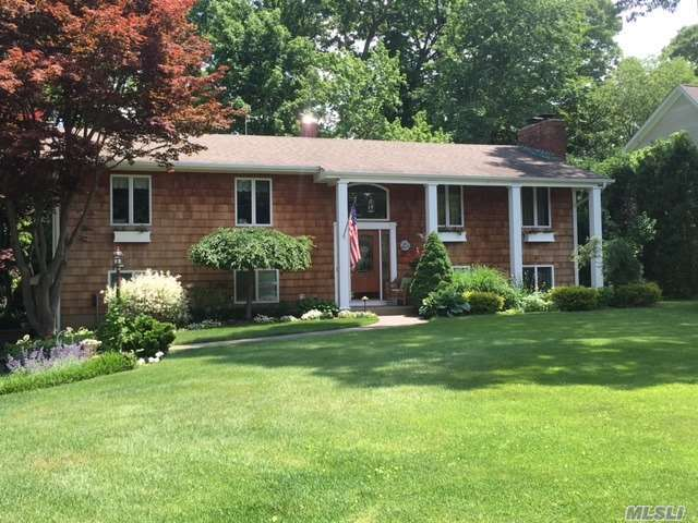9 Knoll Crest, Miller Place, NY 11764