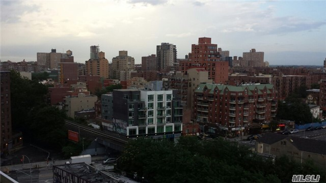 40-22 College Point Blvd #10 R, Flushing, NY 11354