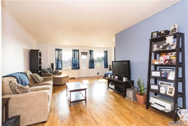 3777 Independence Ave #6e, Out Of Area Town, NY 10463