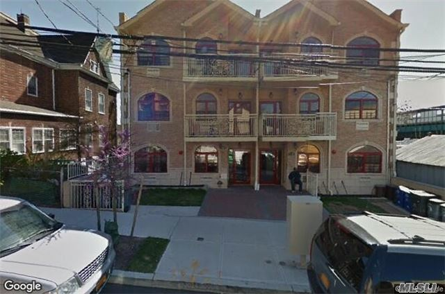 710/12 E 220th St, Out Of Area Town, NY 10467