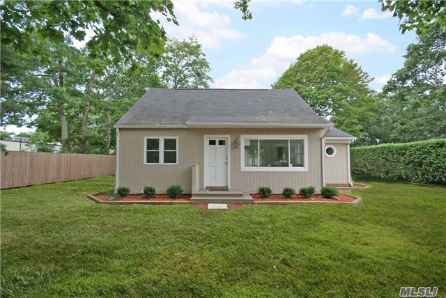 11 Rogers Ave, Westhampton Bch, NY 11978