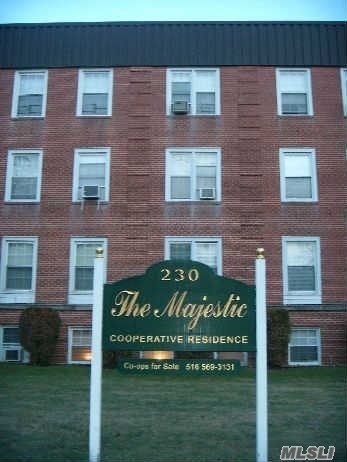230 Central Ave #3-d, Lawrence, NY 11559