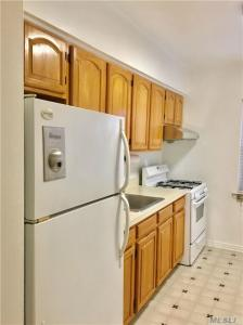 75-07 198th St, Fresh Meadows, NY 11366